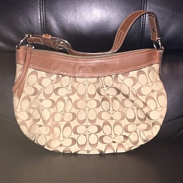 Women's brown Coach shoulder bag