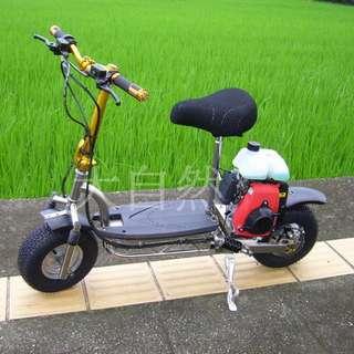 不鏽鋼汽油滑板車~海螳螂2代滑板車:6內徑6寸高速胎.前後油壓碟煞