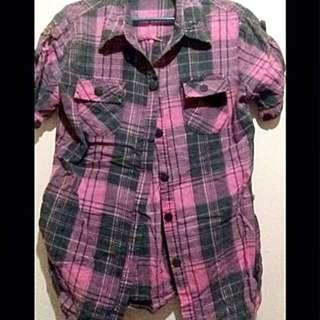 Pink-black checkerd top