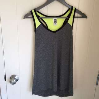 SPORTS TOP // SIZE 10