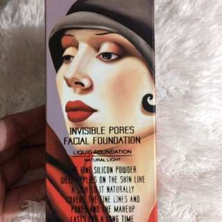 Invisible pores Facial foundation