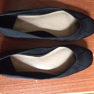 stradivarius flat shoes size 5 used twice only repriced