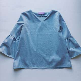 Dreamy Flared LS Sleeve Top - Chambray