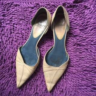 Zara Shoes Authentic Sepatu Lancip Kerja Work Creme