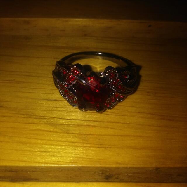 18 KT BLACK Gold Filled Silver Medal Red Ruby Garnet Ring