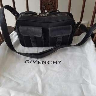 ☡🔻PAYDAY SALE!🔻☡ Givenchy Authentic Black Shoulder Bag