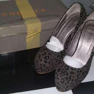 CHELSEA Leopard Print Shoes