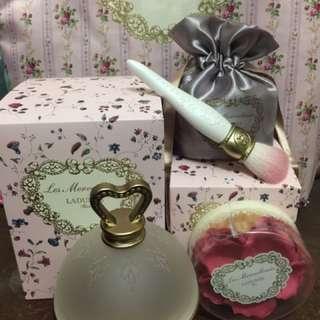 日本代購+現貨供應中  LADURÉE經典玫瑰花瓣腮紅組