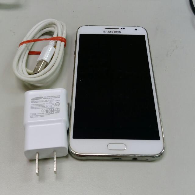 三星 SAMSUNG E7 手機