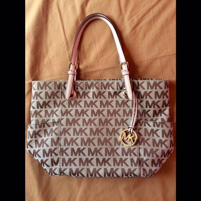 b8675385ebf Authentic MICHAEL KORS (MK) Signature Tote / Handbag, Women's ...
