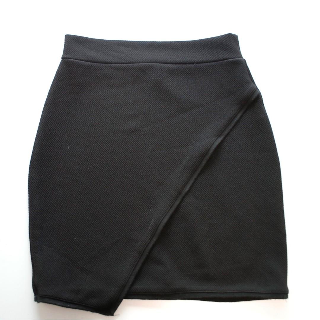 Black casual mini skirt