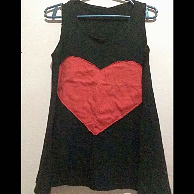 Black-heart sleeveless top