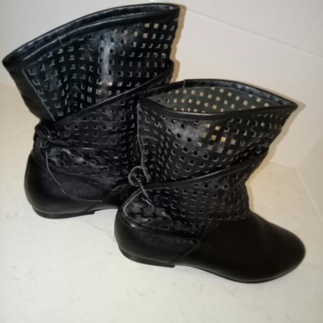 Boots - Size 37