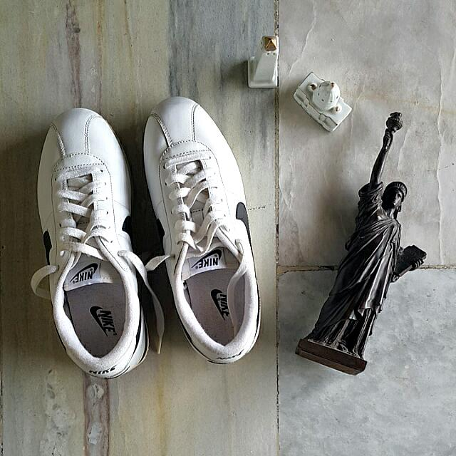 CLASSIC MEN'S Nike Cortez Basic Leather (White)