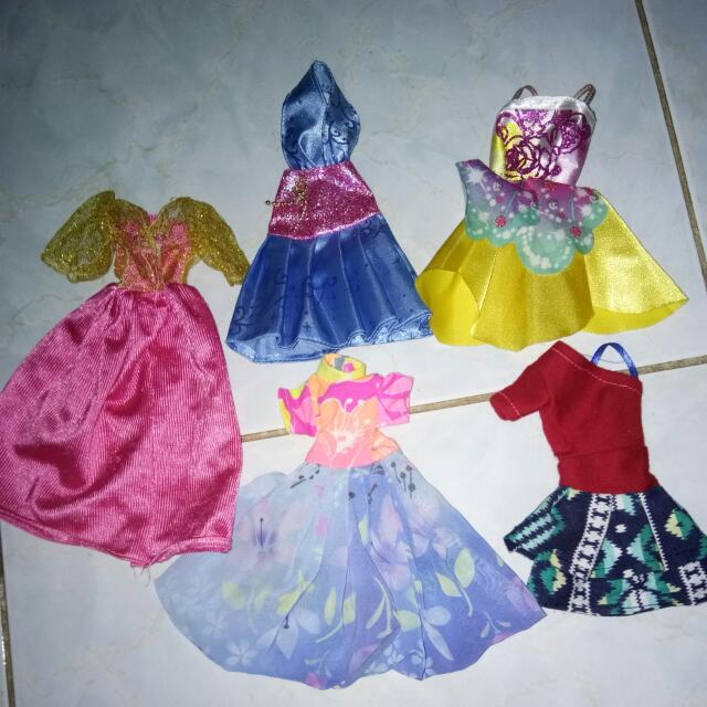 Dress Barbie