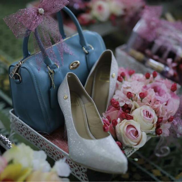 Dulang Hantaran Gubahan Take5off Women S Fashion Bridal Wear On Carousell