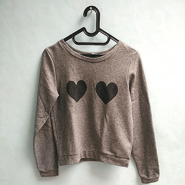H&M Dividev Sweater With No Defect. Still In Really Good Condition.   Bought Was Around 200k