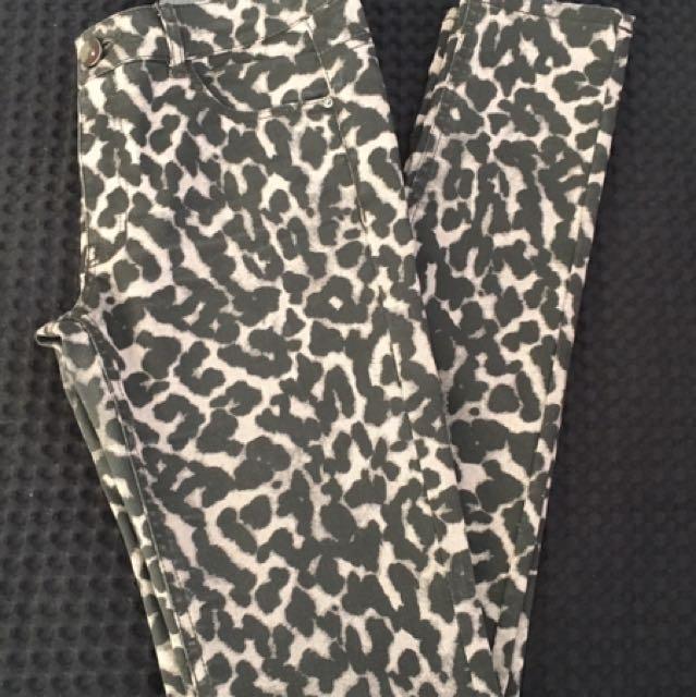 H&M Leopard jeans