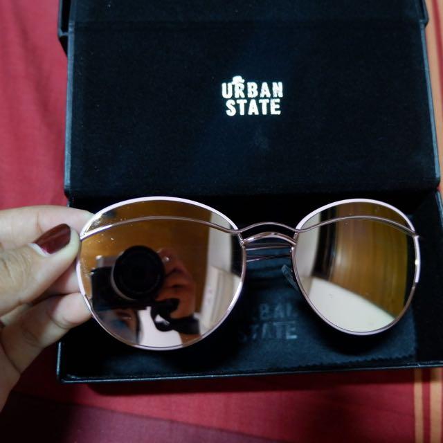 kacamata urban state
