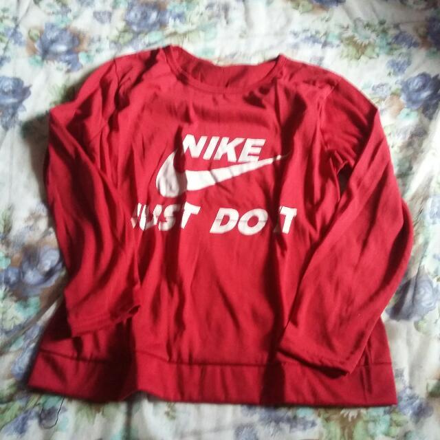 Kaos Tulisan Nike