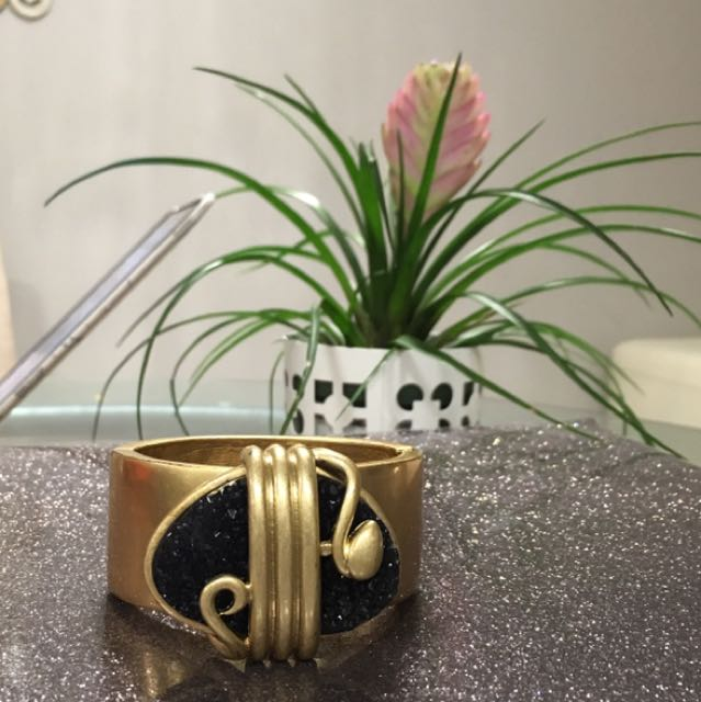 LIA SOPHIA NEW BANGLE BRACELET IN GOLD