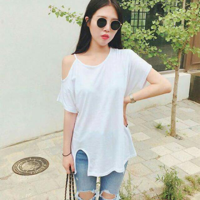 💕New Arrival Korean Cotton Slit-cut Plus Size Blouse💕 🎀Cotton fabric, right thickness, soft touch, stretchable, comfortable to wear, good quality🎀 🎀Free size, loose size fits up to XXL; 3 colors avail🎀 Original Price: P250 Only!!