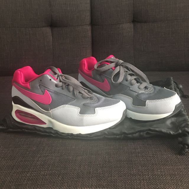 Nike Air Women Size 7
