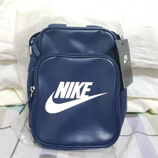 006511a216b Nike Heritage Sling Bag, Men s Fashion, Bags   Wallets on Carousell