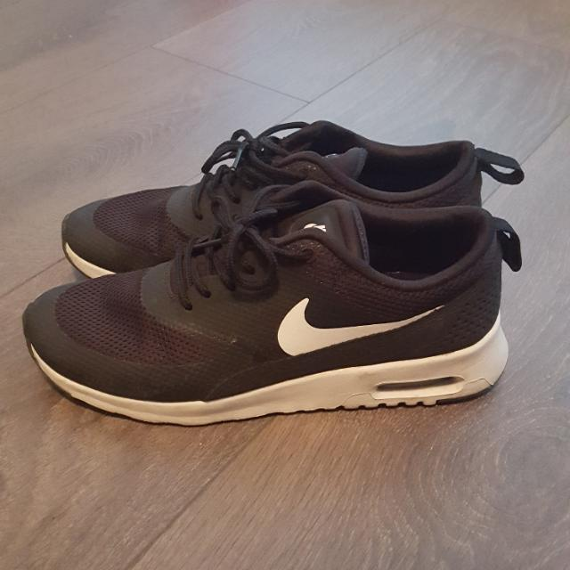 Nike Thea Running Shoes Size 7.5