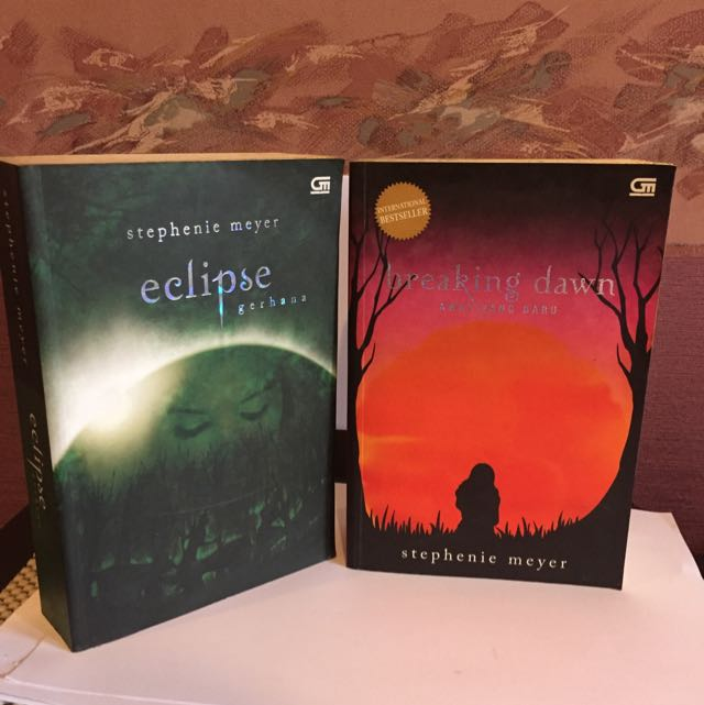 Novel Twilight Eclipse Breakingdown