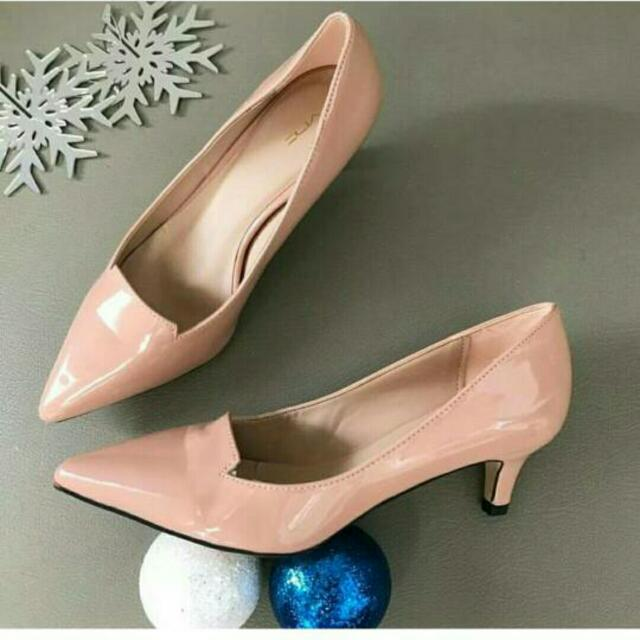 Nude Shoes Vnc