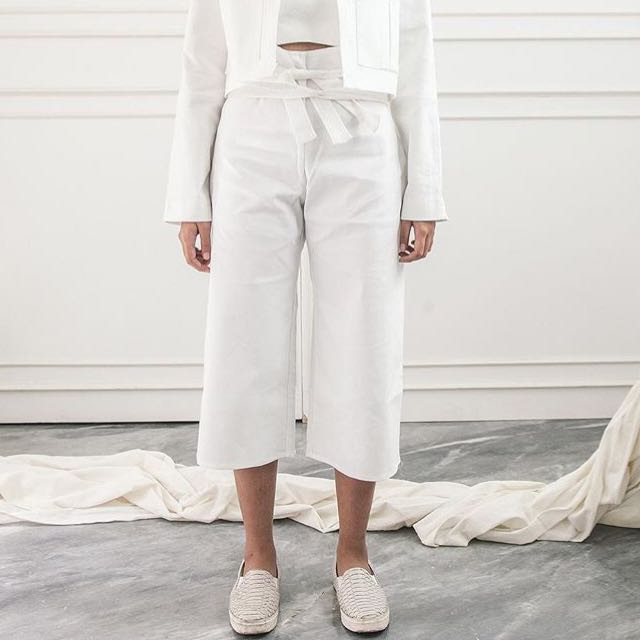 [PRELOVED] APPAREL AFTER DARK – Culottes in White - Free Size