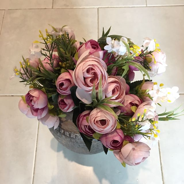 Purpleish Roses ( Artificial flowers)