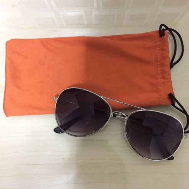 REPRICED! H&M Sunglasses With Pouch