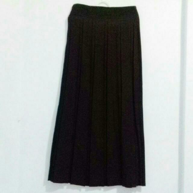 Ruffle Black A-Line Skirt