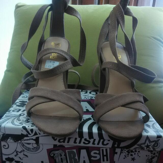 Sepatu Brash
