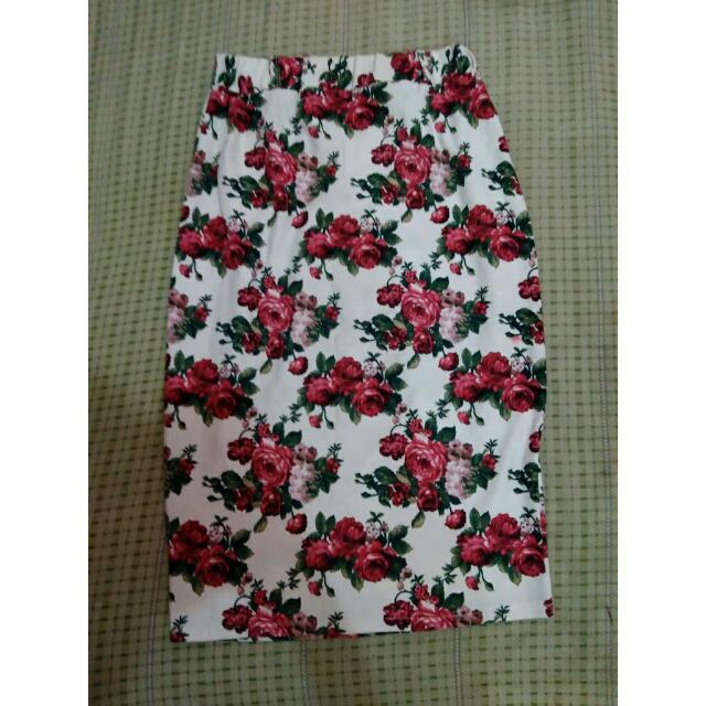 Skirt Bunga-bunga