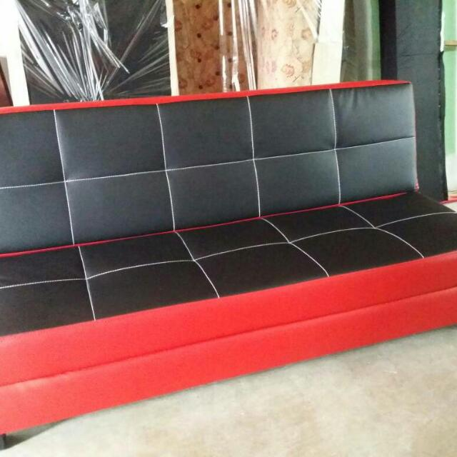 Sofa Bed Warna Hitam Merah Home Furniture Furniture On Carousell
