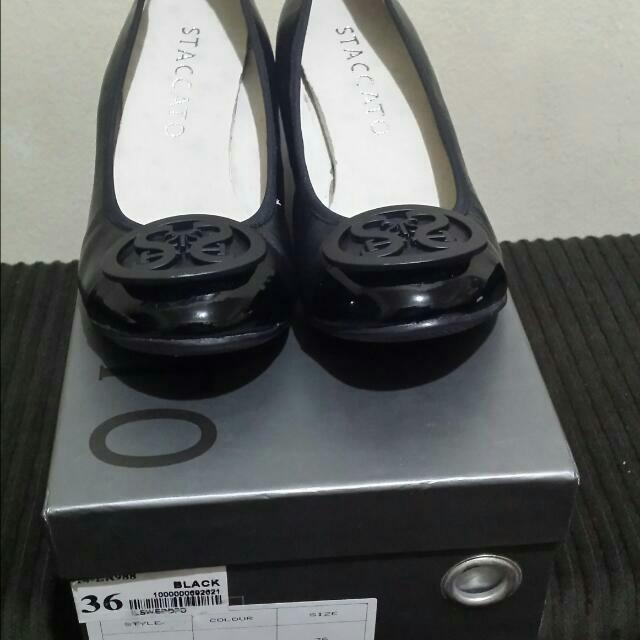 Staccato Black Wedge Shoes Size 6