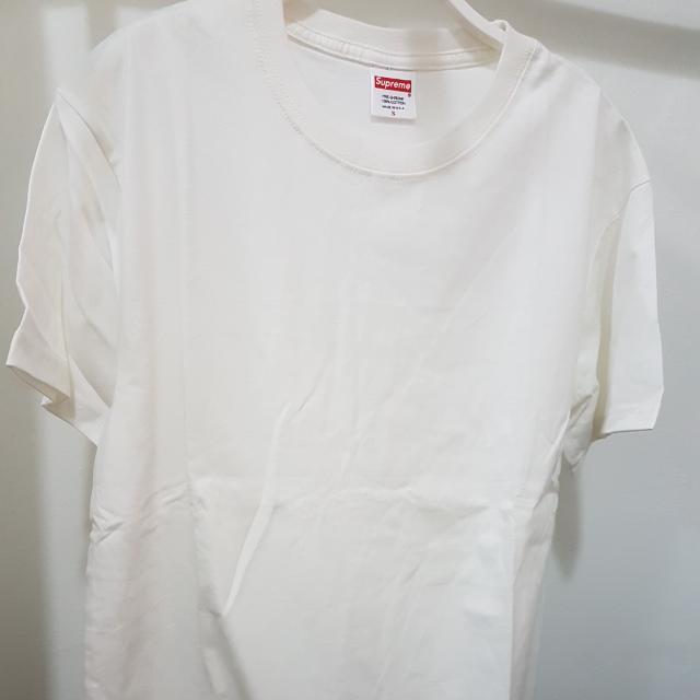 02daaf5fef1a Supreme Plain Tee (WHITE), Men's Fashion, Clothes on Carousell