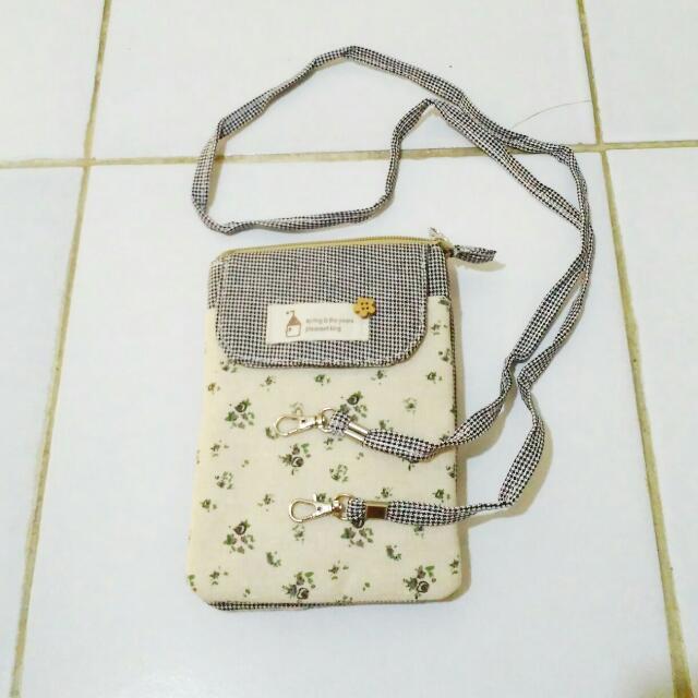 Tas kecil (pouch)