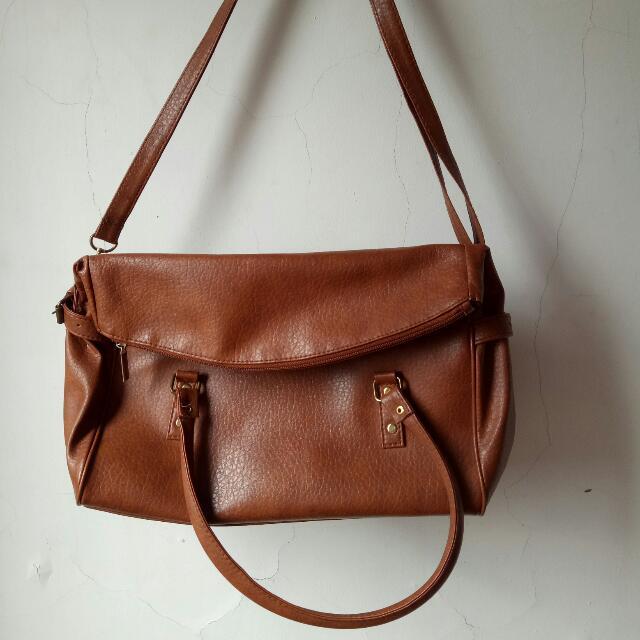 Tas Wanita Model Postman Bag