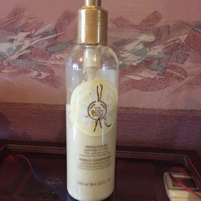 The Body Shop Handbody Glitter Vanill