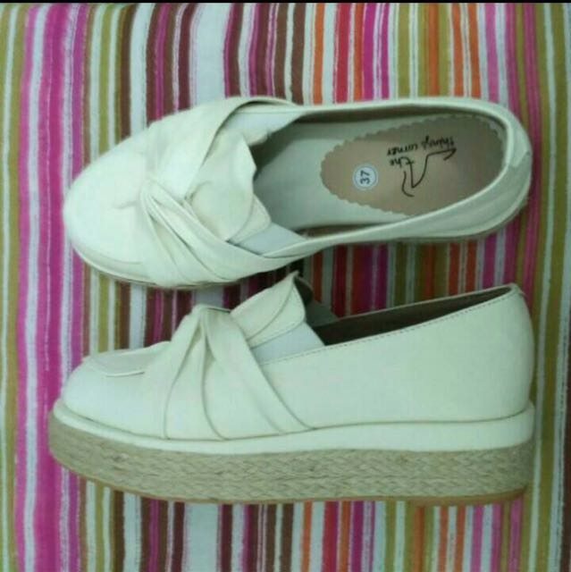 The Things Corner White Ribbon Platform Shoes Size 37