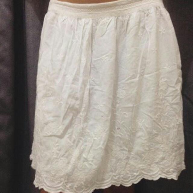 White Skirt/ Rok Putih
