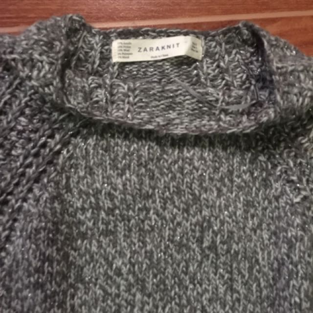 zara pull over w/ flaws size small