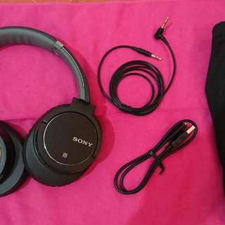 Sony MDR-ZX770BN Active Noise Cancelling Headphone.