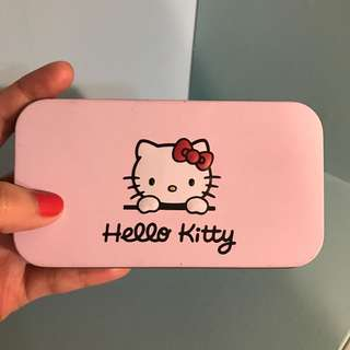 Hello Kitty 彩妝刷具盒