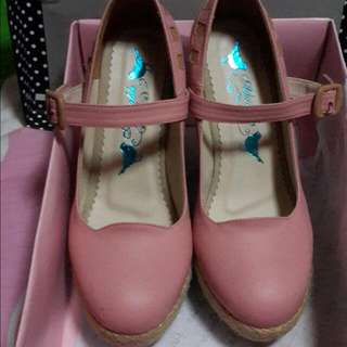 Adorable Pink Wedges