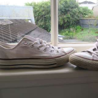 White All Stars chucks Size 37,5